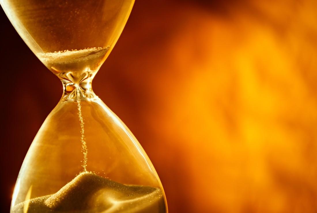 Hourglass-shutterstock_208770109-e1440429398143.jpg